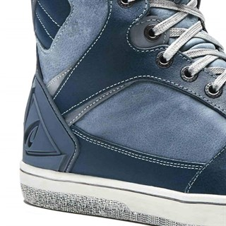 Forma Hyper boots in denim blueAlternative Image1