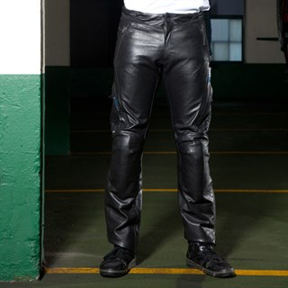 Halvarssons Dede trousers in blackAlternative Image2