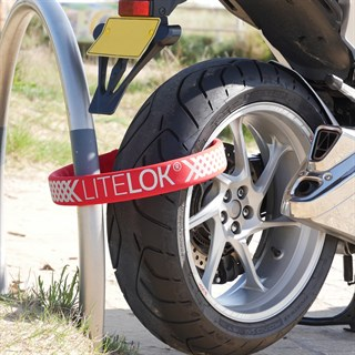 Litelok Gold Moto 108 motorcycle lock in redAlternative Image2