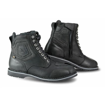 Falco Ranger boots in black
