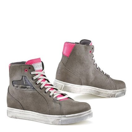 TCX ladies Street Ace waterproof boots in grey / pink