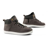 Falco Tensho boots in grey
