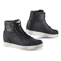 TCX Street Ace Lady WP boots in black