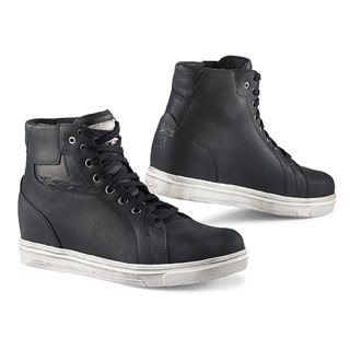 TCX Street Ace Lady WP boots in black 42