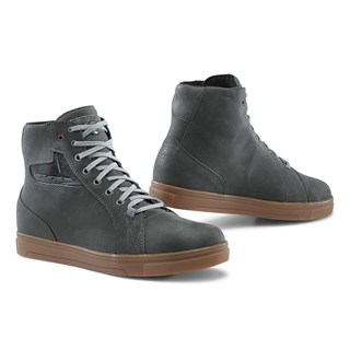 TCX Street Ace WP boots in grey/ gum 40